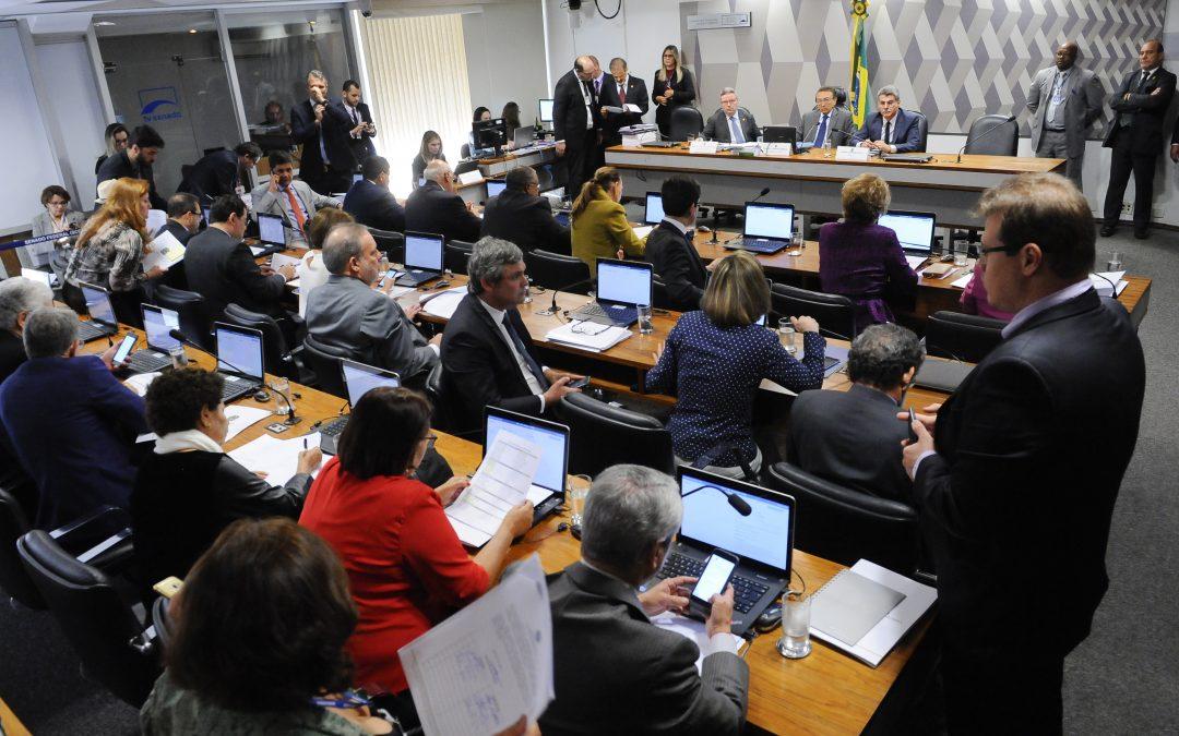 CCJ aprova reforma trabalhista – temos que pressionar senadores para que o projeto seja vetado