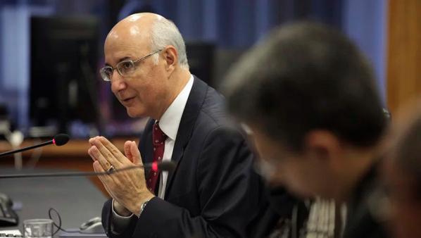 Presidente do TST autoriza demissão em massa sem negociação com sindicato